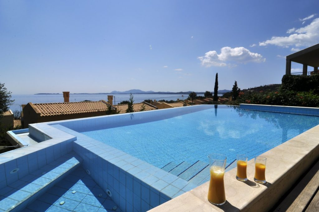 The private pool of villa aeolos