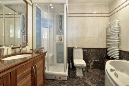 Master Bathroom of villa Aeolos in Corfu
