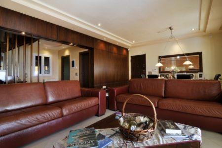 The lounge area of villa Aeolos