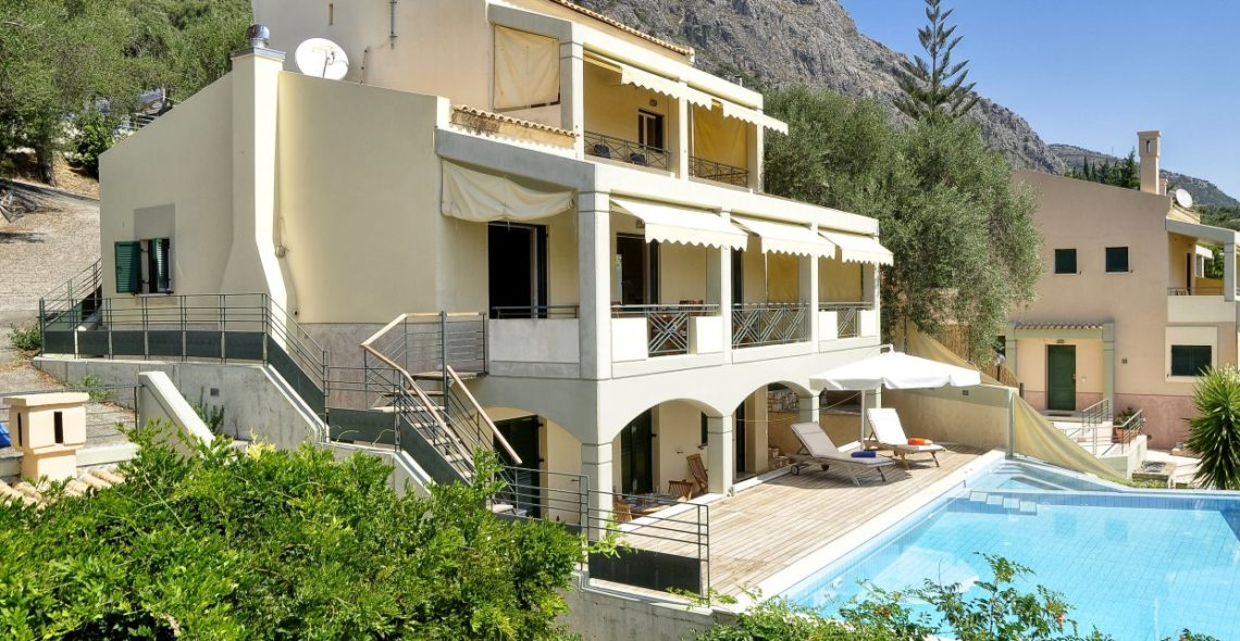 Aeolos villa in corfu side view